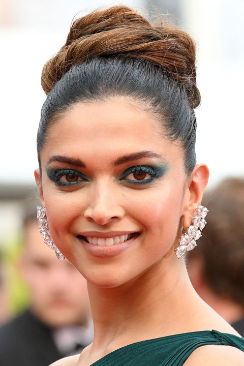 deepika padukon makeup in cannes
