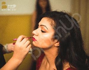 professional bridal makeup artist